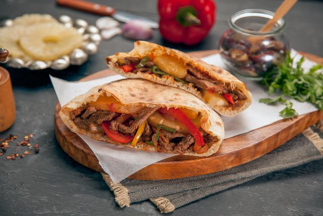 ساندويتش فاهيتا لحم