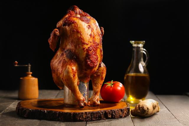 دجاج مشوي علي علبة صودا الجنزبيل