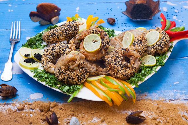 سمك مكرونة مقلي بحبة البركة والسمسم (برج السرطان)