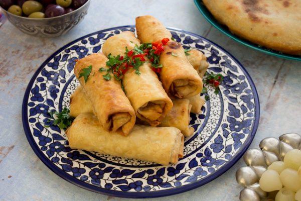 رقاق مقلي باللحم والخضروات