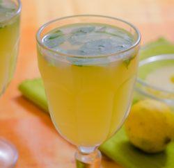 عصير اناناس وجربفروت