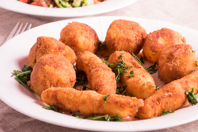 كرات البطاطس باللحمة المفرومة