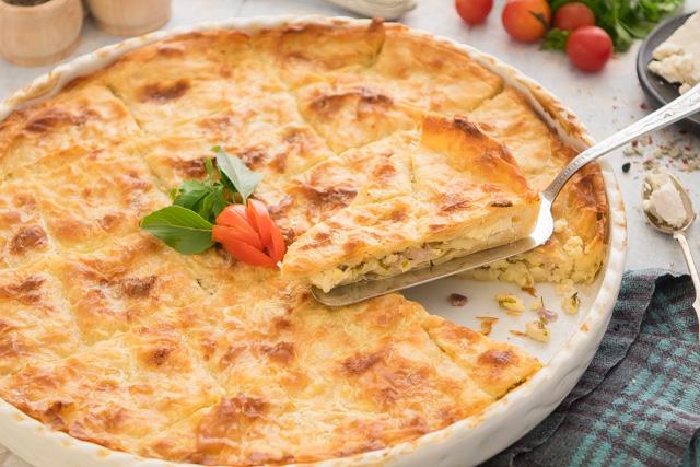 بوريك بالجبنة والبقدونس