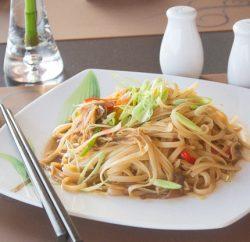 نودلز بالخضروات ( صيني )