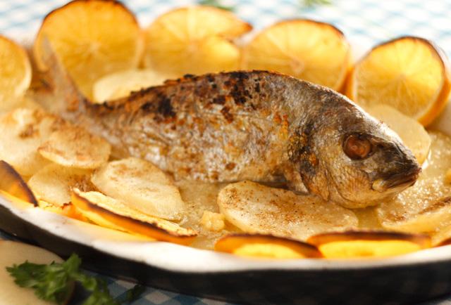 صينية سمك بالبرتقال و البطاطس