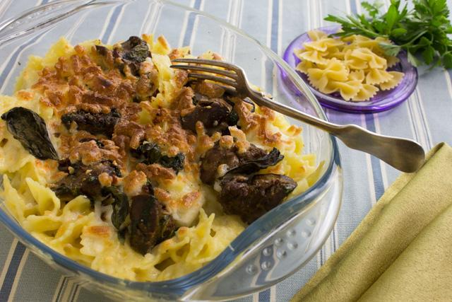 مكرونة بكبد الدجاج والجبنة الريكفورد والبشاميل