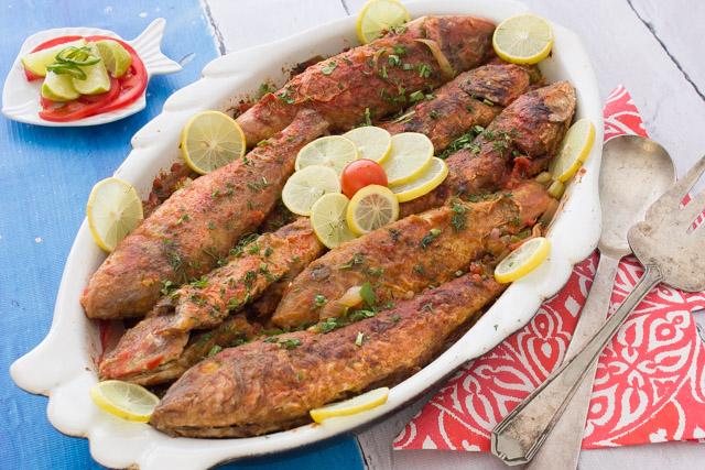 سمك بربونى على الطريقة اليونانية