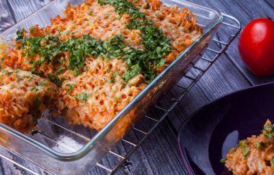 ارز في الفرن بالطماطم والموتزاريلا