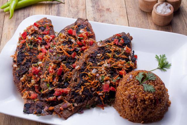 سمك بلطي مشوي مع ارز