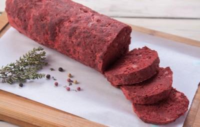 لانشون لحم بالزيتون الأخضر