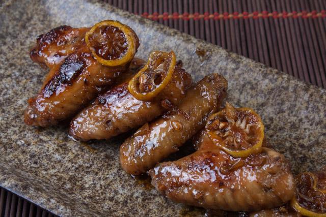 أجنحة الدجاج بالعسل والليمون على الطريقة الصينية