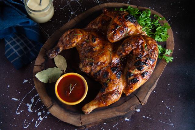 دجاج مشوي على الفحم