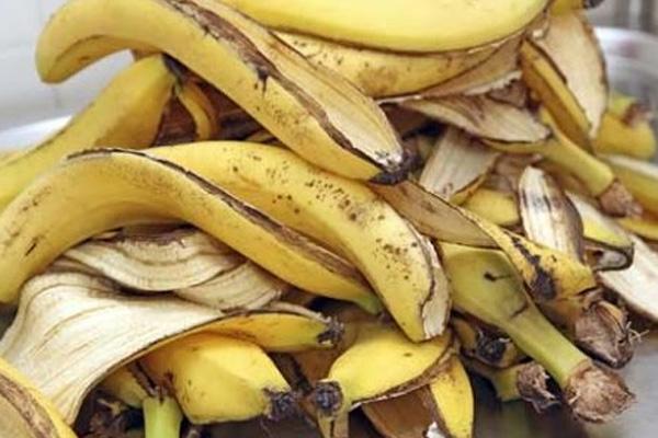 وصفة مذهلة بقشور الموز الأخضر لخسارة الوزن وسهلة جداً