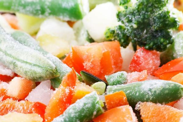 الأطعمة التي يمكن تجميدها وكيفية الحفاظ عليها