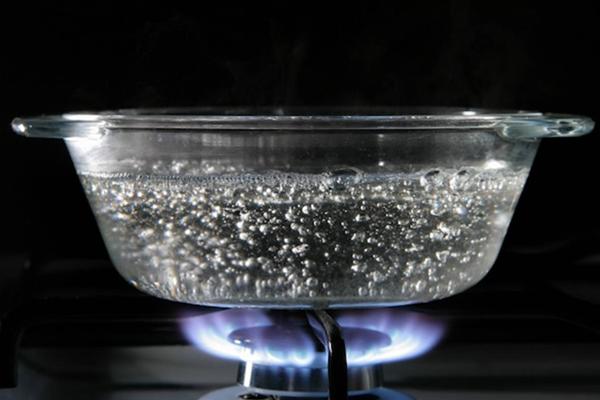 أطعمة تفقد قيمتها في الماء الساخن