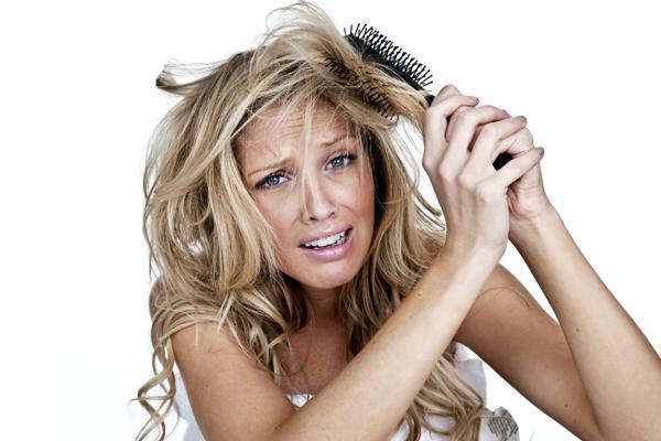 خمس نصائح للقضاء على مشاكل الشعر فى الشتاء