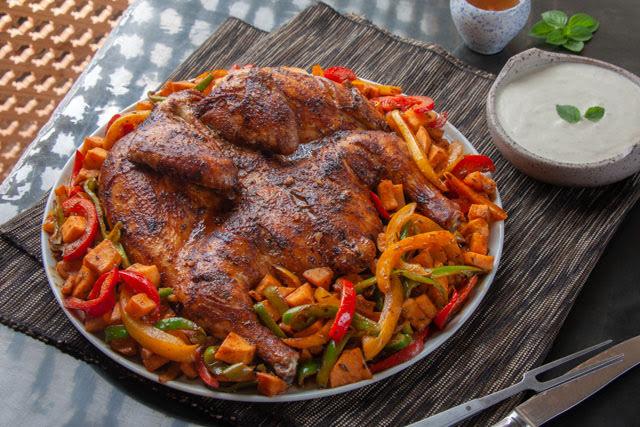 صينية دجاج بالبطاطا و الفلفل