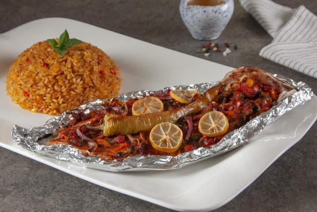 قاروص سنجاري مع ارز صيادية