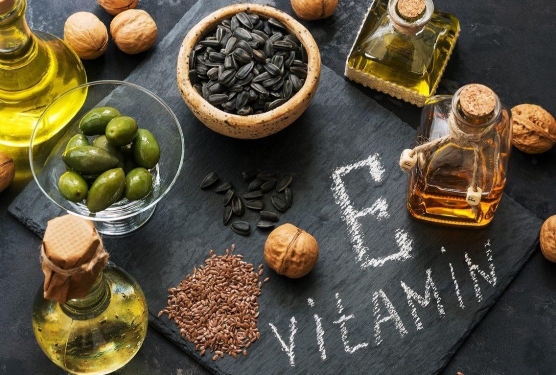6 طرق مختلفة بفيتامين E لكل مشاكل البشرة والشعر والأظافر كمان