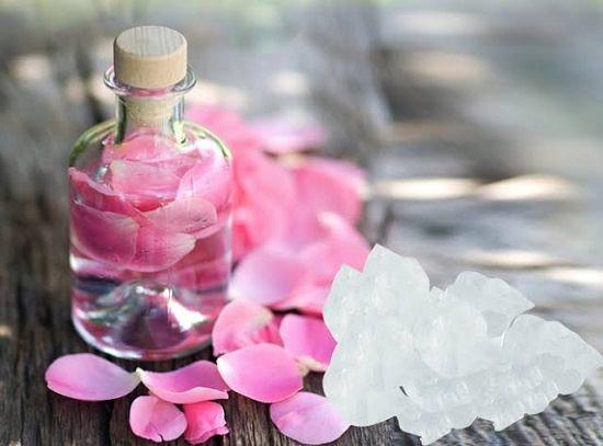 الشبه مع ماء الورد مزيج مذهل لجمالك ... 5 وصفات طبيعية سهلة جدًا