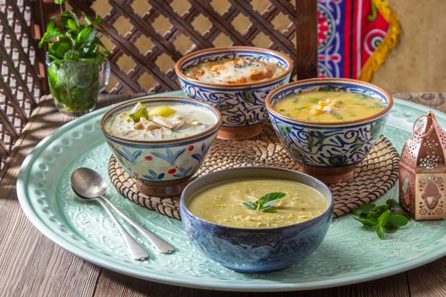 شوربات قبل الفطار  ( كوسة بالعناع - ذرة بالفراخ- لبن جوز هند مع مشروم وفراخ-شوربة البصل )