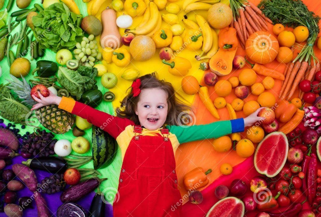 فوائد تناول الفواكه والخضراوات للأطفال