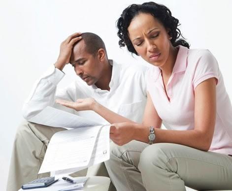 كيف أتعامل مع زوجي البخيل ماديًا وعاطفيًا؟
